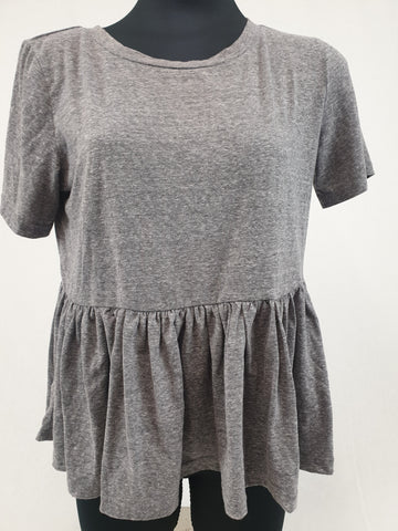ATMOS & HERE Basic Gray Cotton Tee Womens Size 10