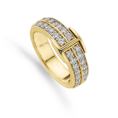 Small Signature Hamilton & Inches Diamond Ring in Yellow Gold