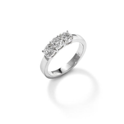Round Brilliant Graduated Three Stone Ring in Platinum - Hamilton & Inches