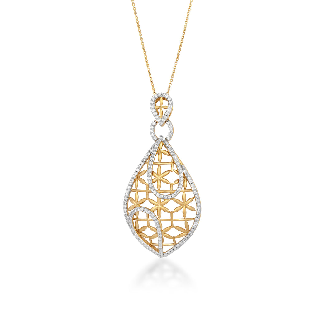 Starring You Eloquent Diamond Pendant