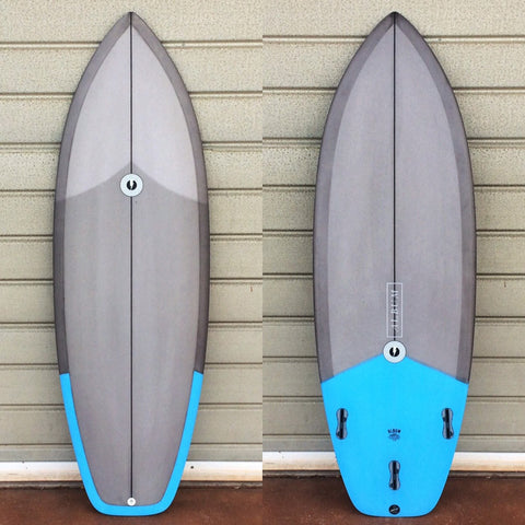"カリフォルニア在庫 - Album Surfboards - Balance, 5'6""x 20.5""x 2.5"" Grey & Blue Tint"