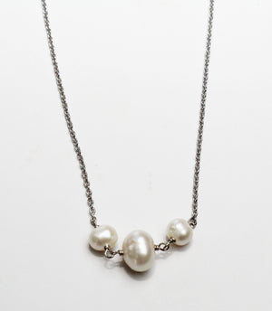 Sea's Divine Pearls Necklace