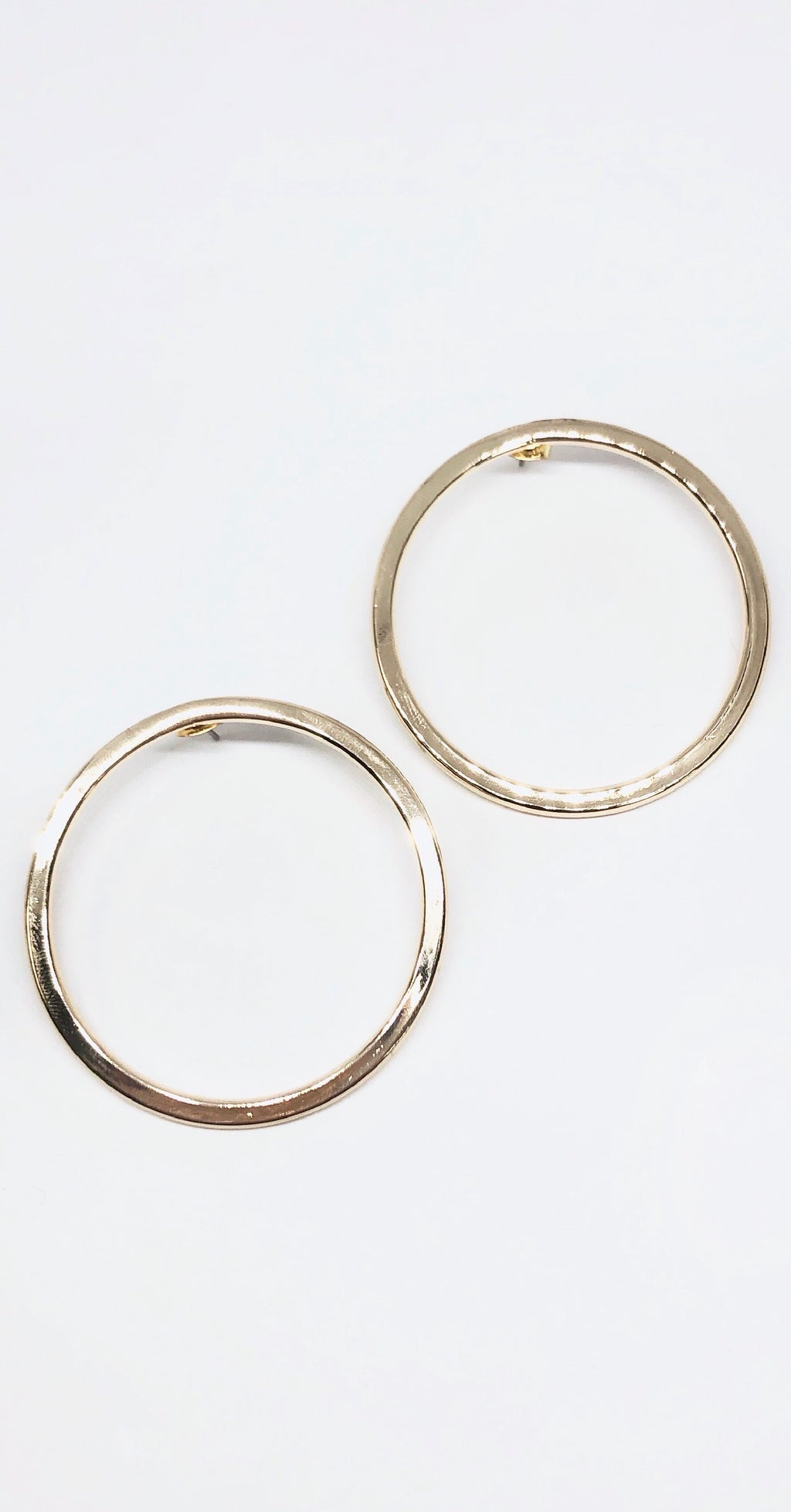 Sense of Style Gold Round Earrings