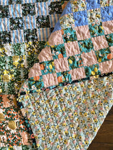 Load image into Gallery viewer, Maggie Pearl Crib Quilt