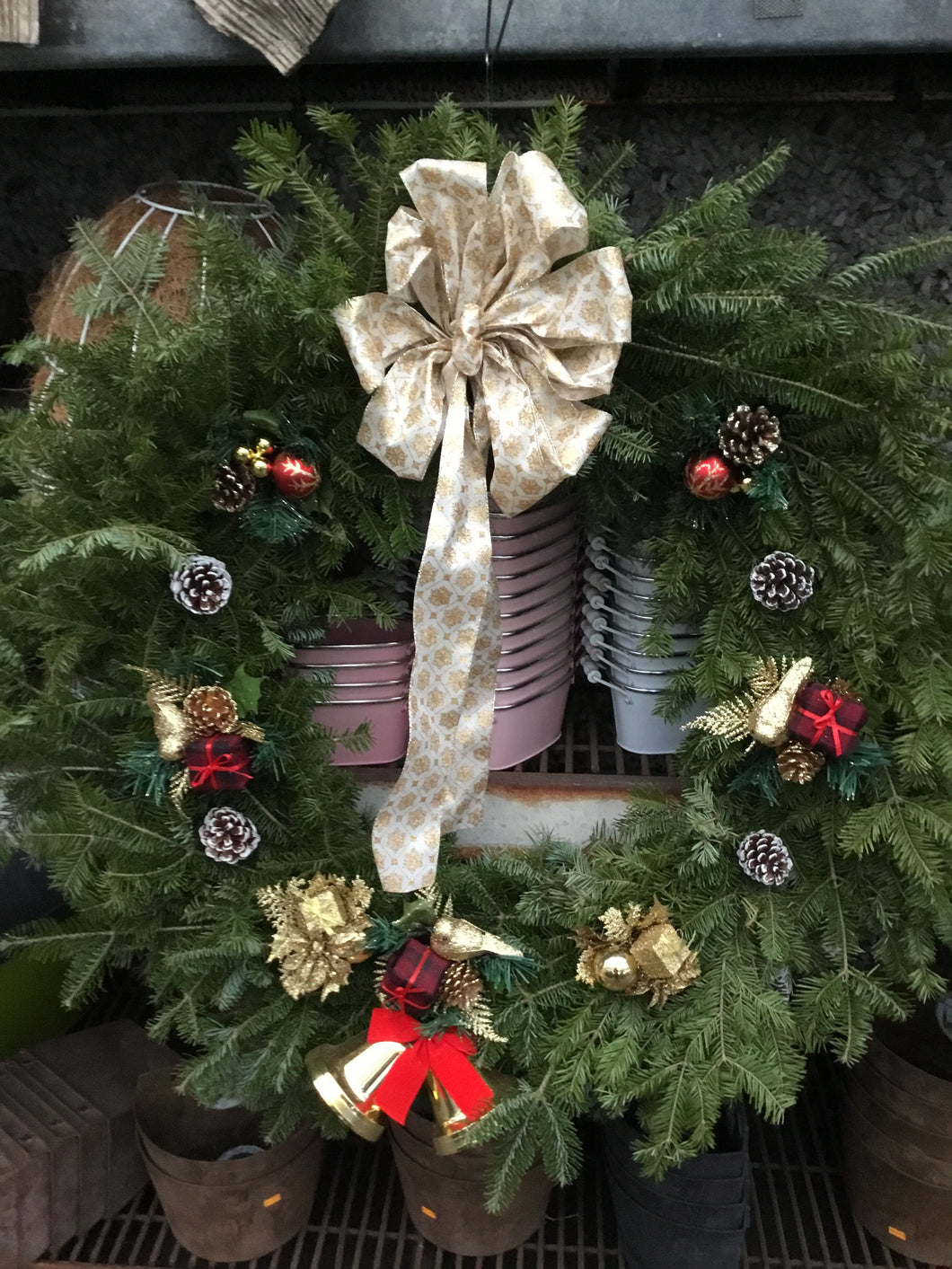 24 Inch Wreath with Golden Snowflake Bow