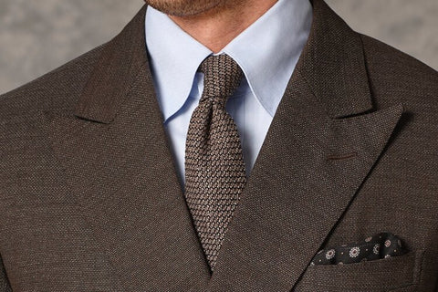 DOUBLE FOUR-IN-HAND KNOT