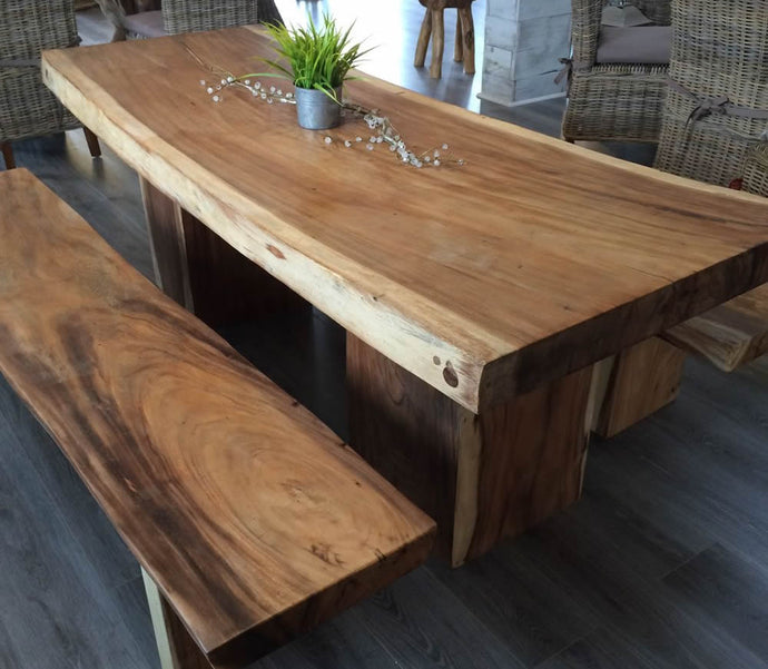AMAZING NATURAL WOOD DINING TABLES