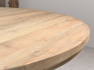 180cm Round reclaimed teak dining table , close up view