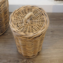 Load image into Gallery viewer, Round Wicker Storage Bin 'Campos' - Small