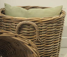 Load image into Gallery viewer, Round Natural Wicker Basket - Large