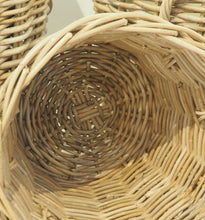 Load image into Gallery viewer, Round Natural Wicker Basket - Small