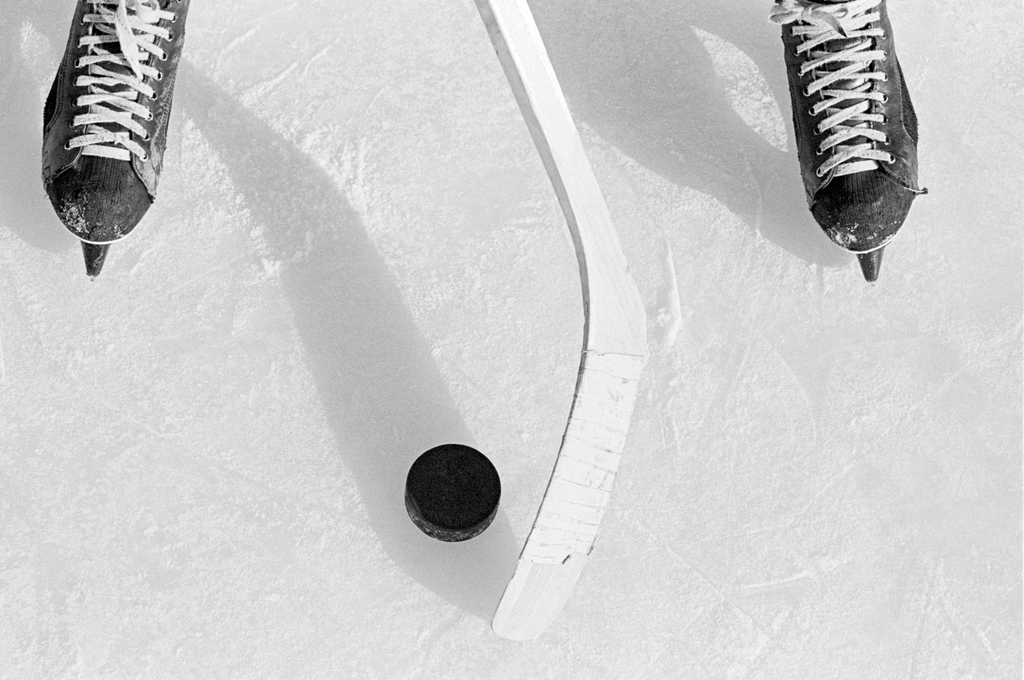 SuperDeker is the best hockey puck training equipment for developing soft hands and stickhandling skills!