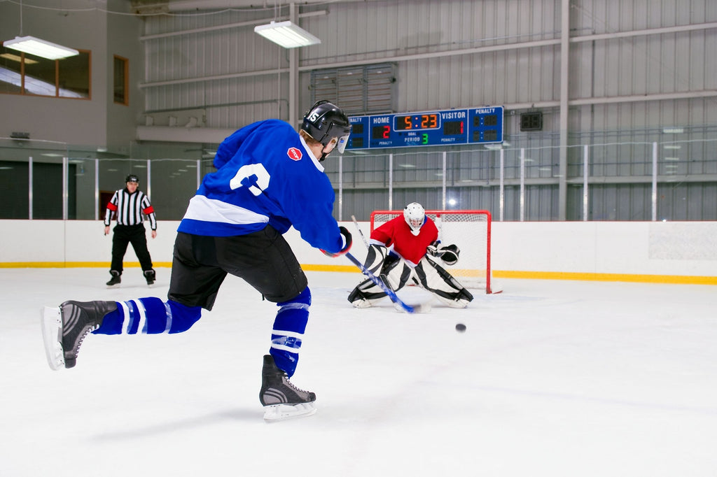 SuperDeker is the best hockey puck trainer for off ice puck handling skills!