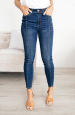 Load image into Gallery viewer, Center Seam Skinny Jeans