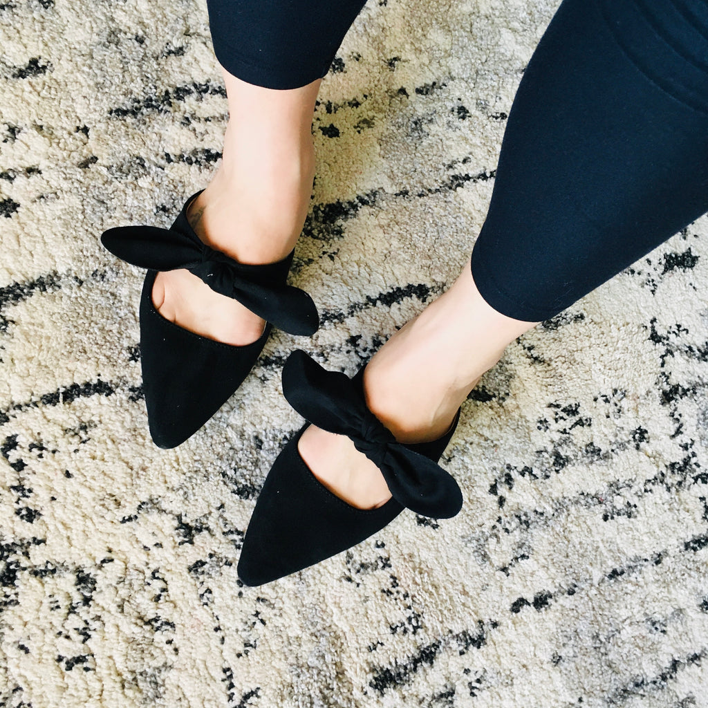 Pointed Toe Bow Flats - Black! - KaraMarie Boutique