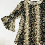 Load image into Gallery viewer, Cute Snake Print Top