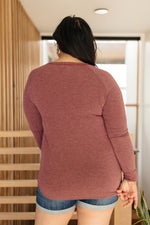 Load image into Gallery viewer, Super Simple Long Sleeve Tee in Burgundy