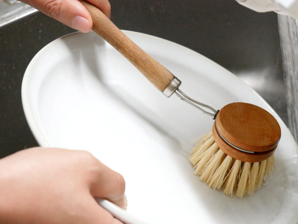 Wood Scrubbing Brush with Plant-Based Bristles