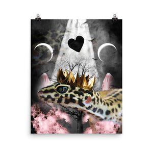 RandomGalaxy 16×20 Goth Leopard Gecko With Crown Head Piece Poster