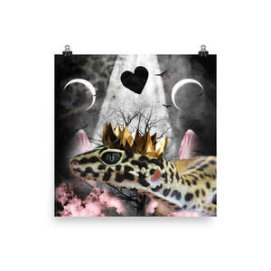 RandomGalaxy 18×18 Goth Leopard Gecko With Crown Head Piece Poster