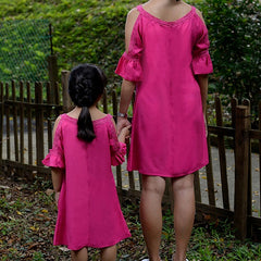 ANGELIC EYES MOTHER DAUGHTER MATCHING DRESS WITH CUT-OUT RUFFLED SLEEVES -DARK PINK [A-2504-38]