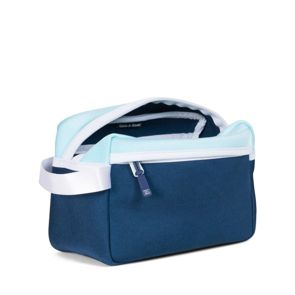 Chapter Pochette (Blue Tint/Blue Depths)