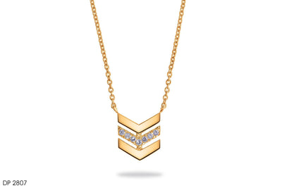 Enthralling Diamond Pendant In 18k Gold