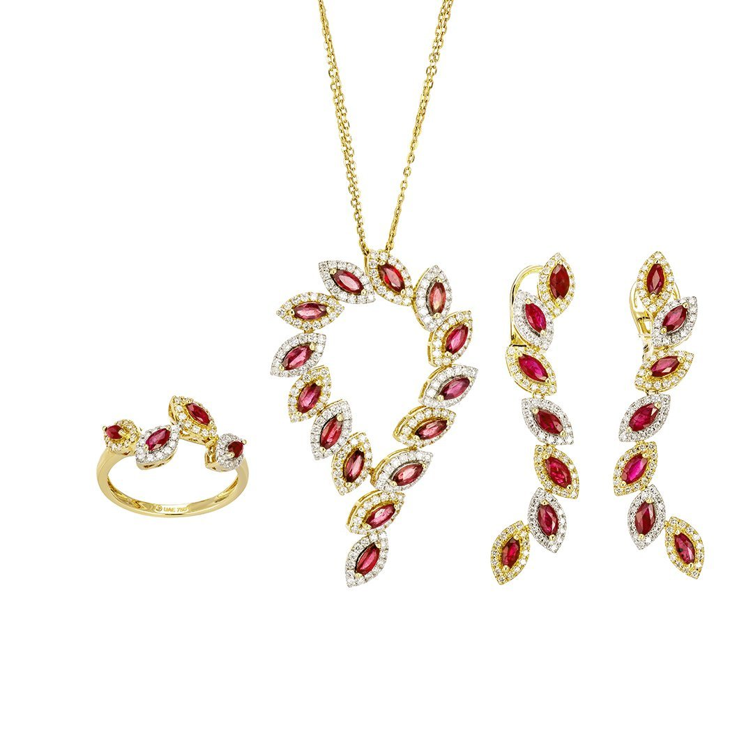 Ruby Petals Diamond Half-Set In 18K Gold