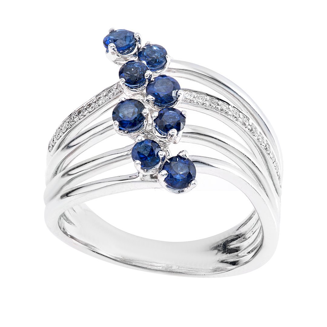 Mesmerizing Round Sapphire Diamond Ring In White Gold