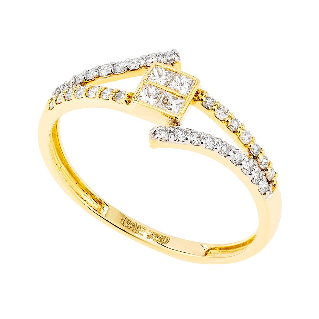 Split Shank Accent Diamonds Ring In 18K Gold