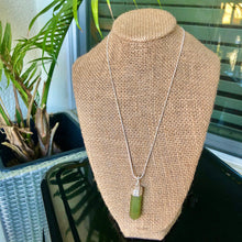 "Load image into Gallery viewer, Sterling Silver 18"" Green Aventurine Necklace"
