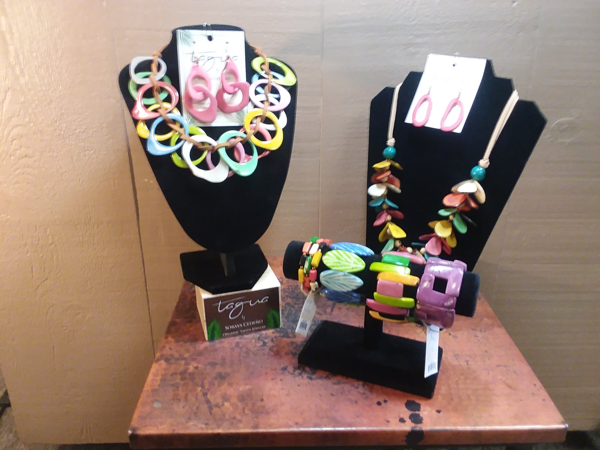 Brand: Tagua Nut Jewelry / Made in Ecuador Style: Necklaces, Earrings and Bracelets