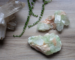 apophyllite crystals for anxiety and worrying
