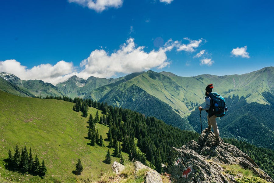 The 10 Backpacking Essentials for Outdoor Family Excursions