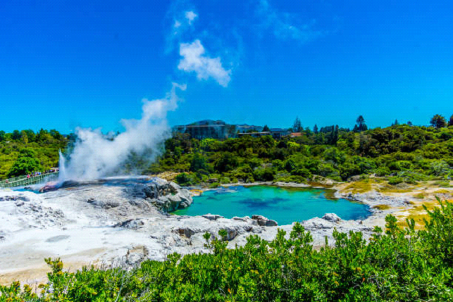 secret hot spring of new zealand
