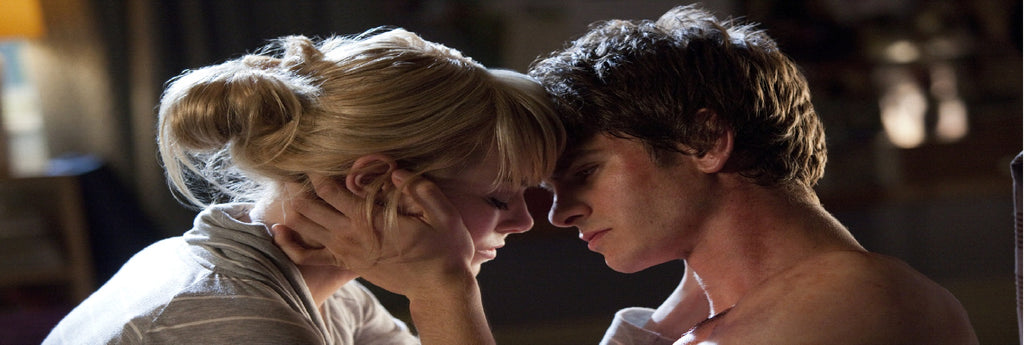 emma stone kissing in spider man