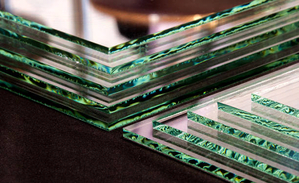 glass with green edges