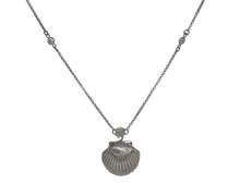 Load image into Gallery viewer, Shell Pearl Long Necklace