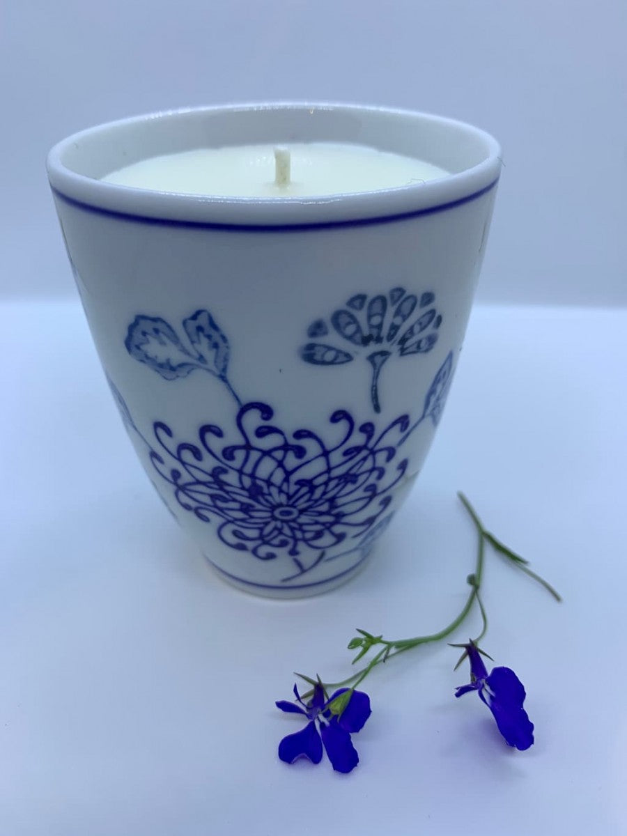 Willow Patttern Styled Ceramic Beaker Soy Candle with Basil and Neroli