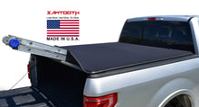 Load image into Gallery viewer, soft roll up tonneau cover jeep gladiator