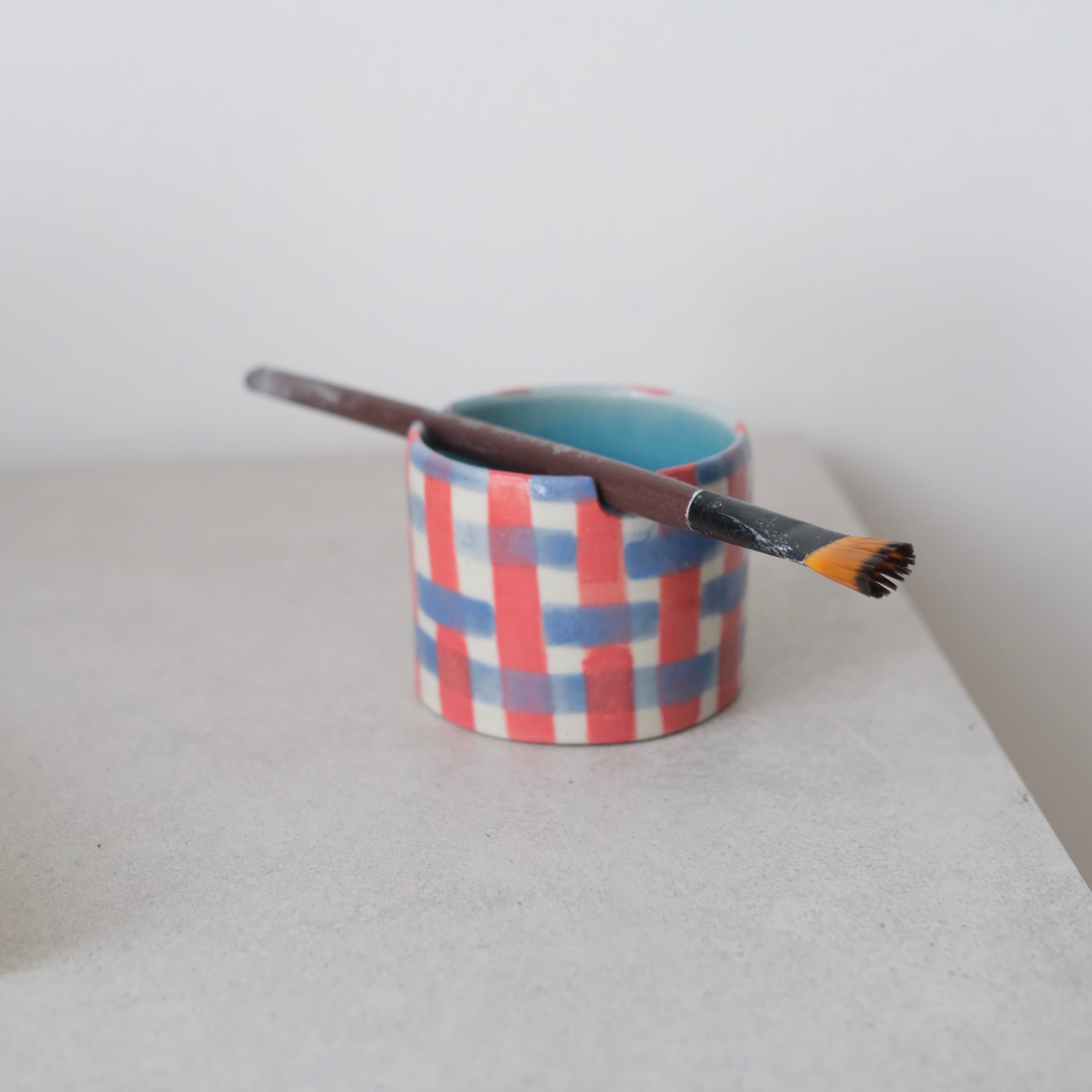 Brush Holder - Red+Blue
