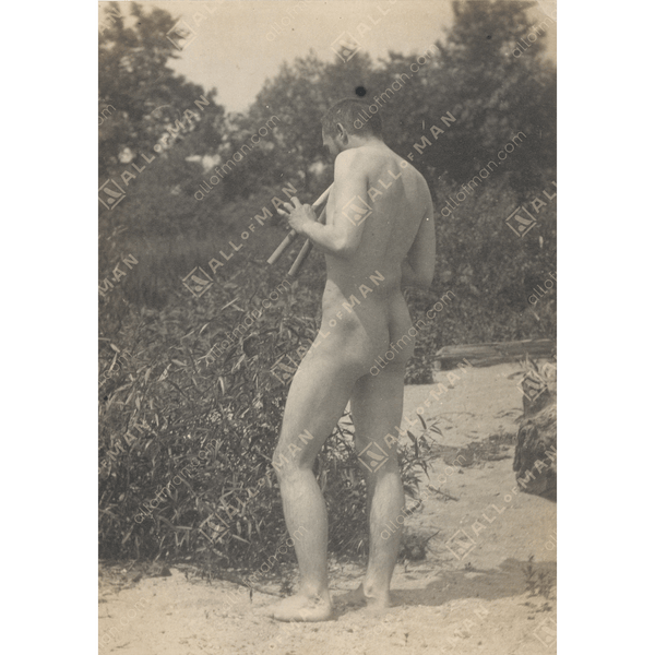 Nude, Playing Pipes