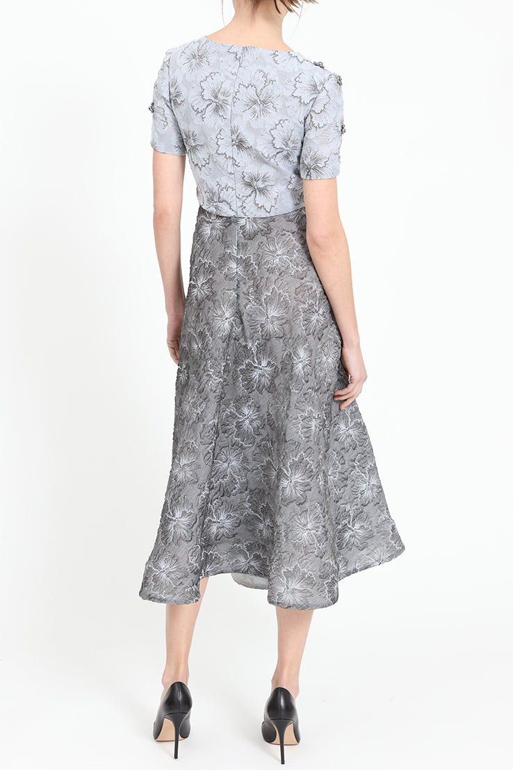 Midi-dress with embroidery
