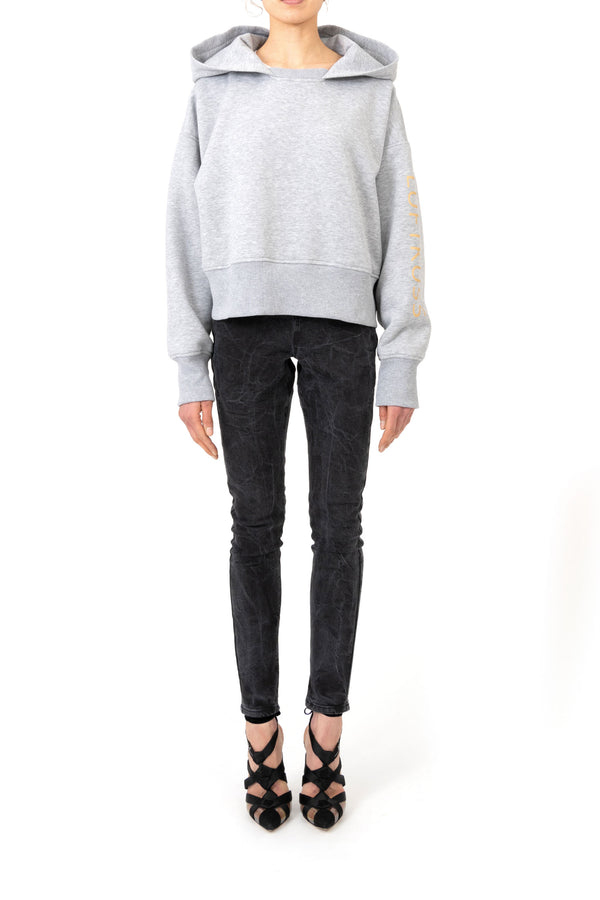 Cropped oversize-hoodie with vertical gold print on arm