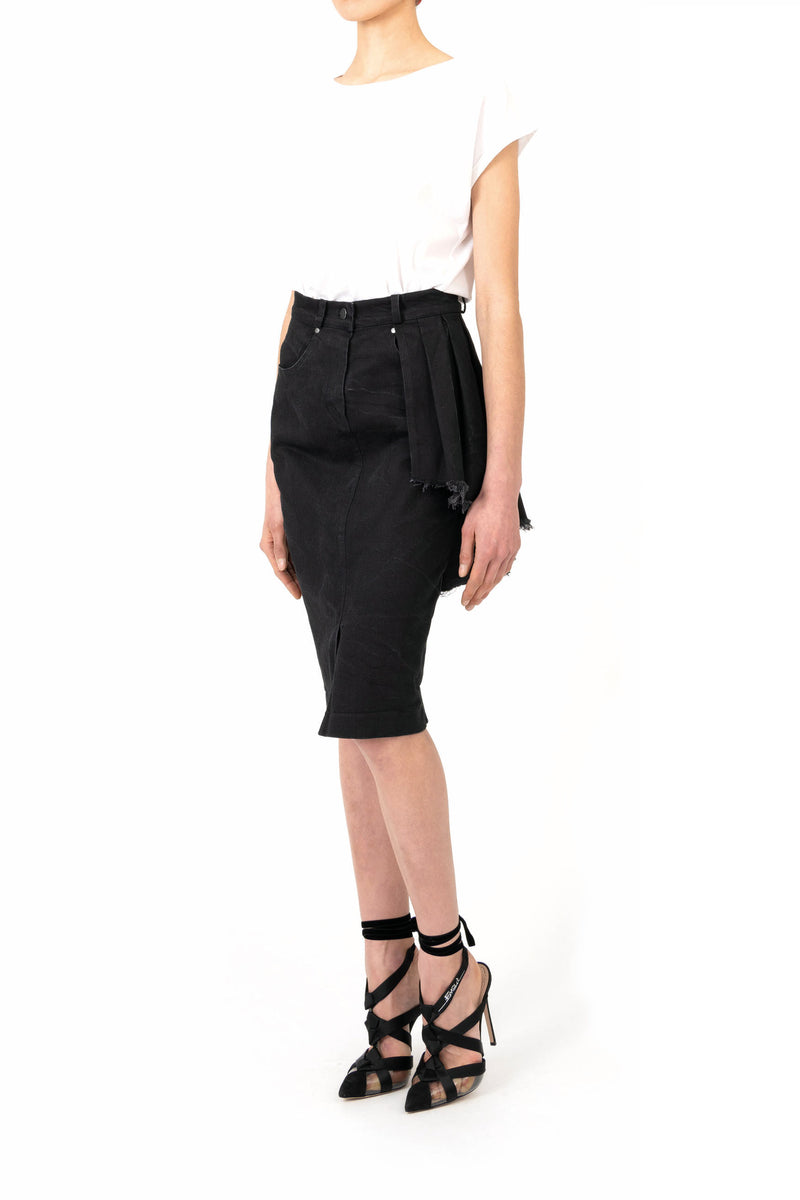Pencil skirt with single part pleats