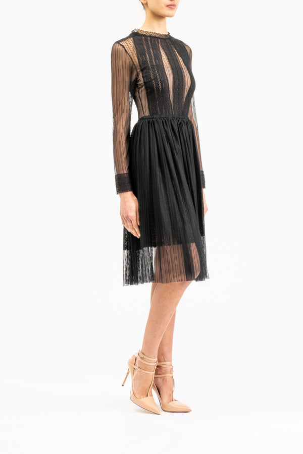 Lace dress with cuffs