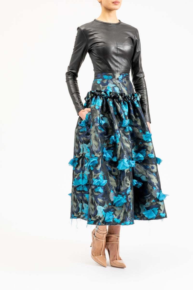 A-line skirt with frayed hemline