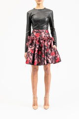 Above-the-knee length skirt with ruffles