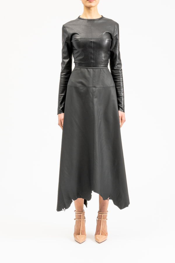 Leather skirt in midi-length