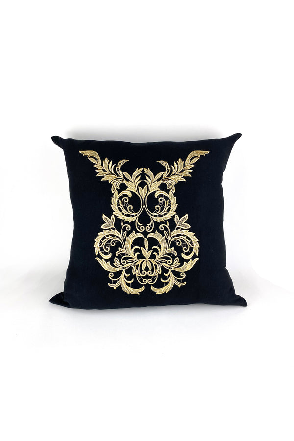 Pillowcase with embroidered owl